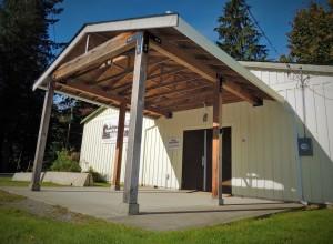 Post and beam door shelter